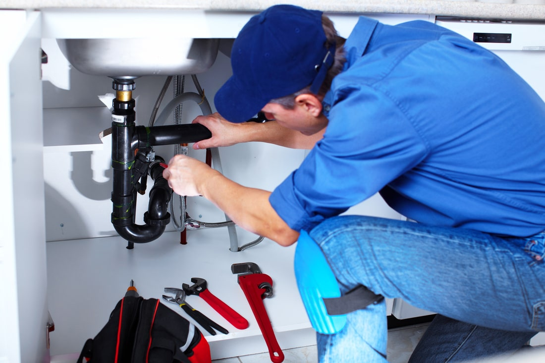 Take care of your plumbing issues or hire an expert?